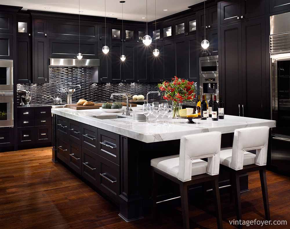 Opting For A Darker Colour With Heavy Contrasts To The Handles And The Rest  Of The Kitchen Dramatizes The Black ...