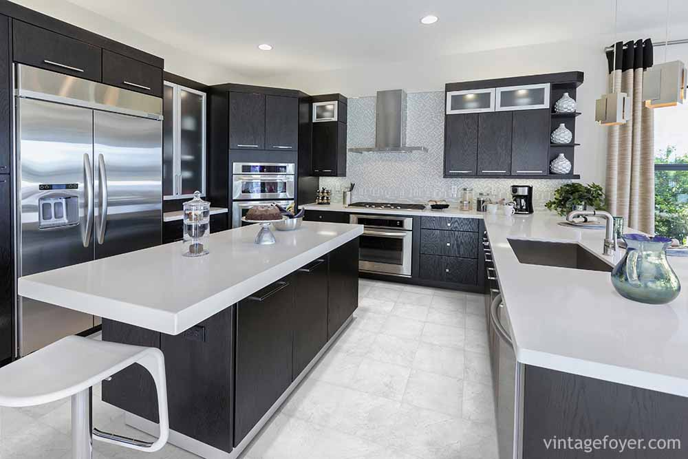 Inspirational Ideas For Creating A Black Kitchen Photos - Kitchens in grey tones