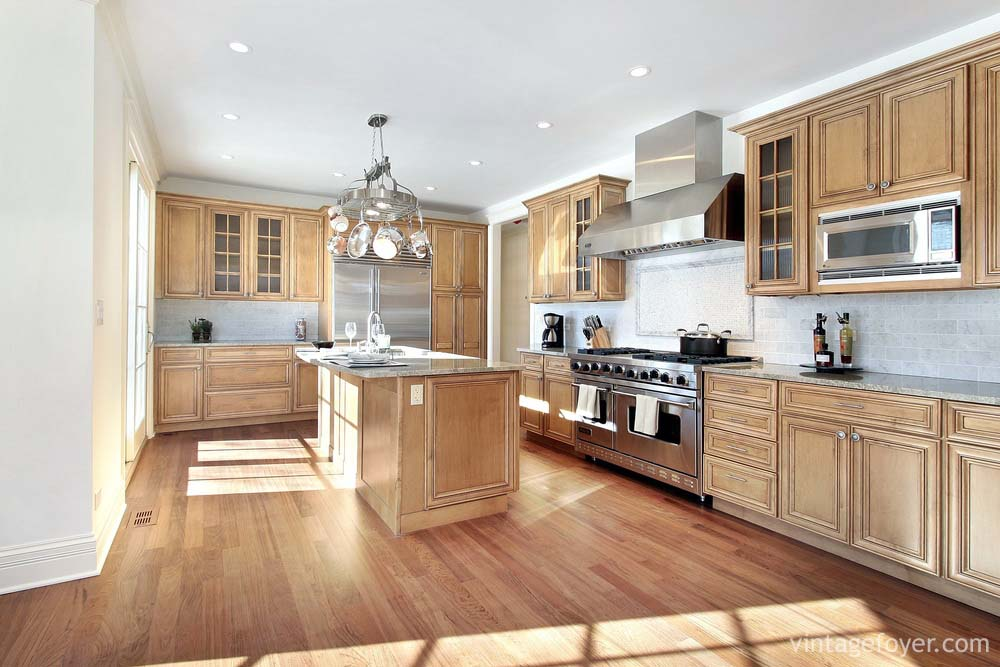 Luxury Kitchens Modern and Traditional 153 Photos Page 4 – Kitchen with Light Cabinets