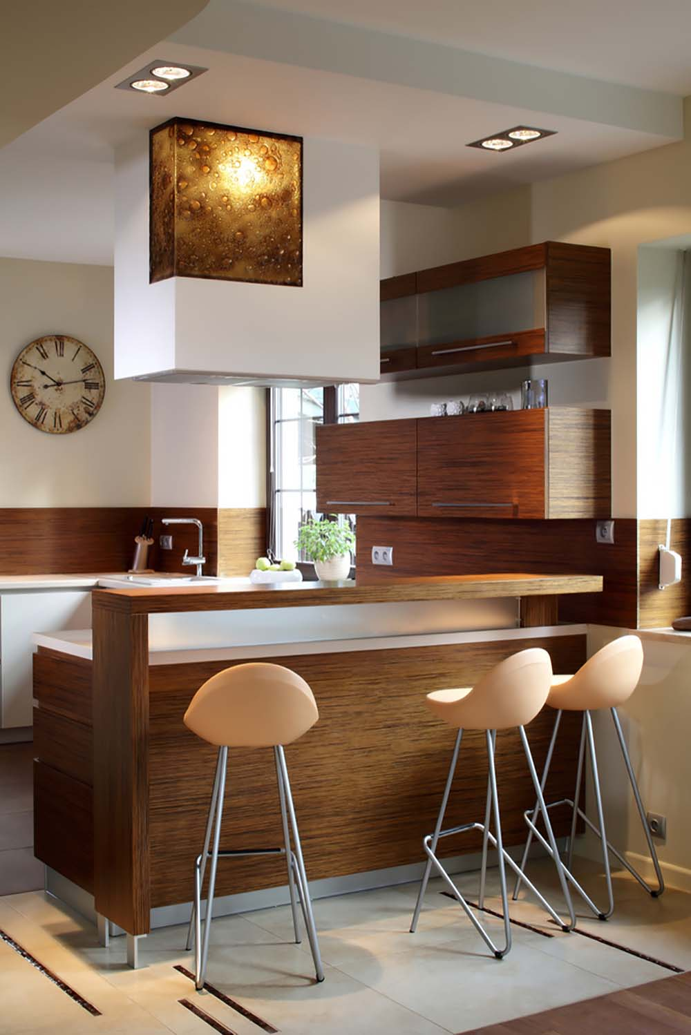 53 savvy small medium kitchens - Small kitchen with breakfast bar ...