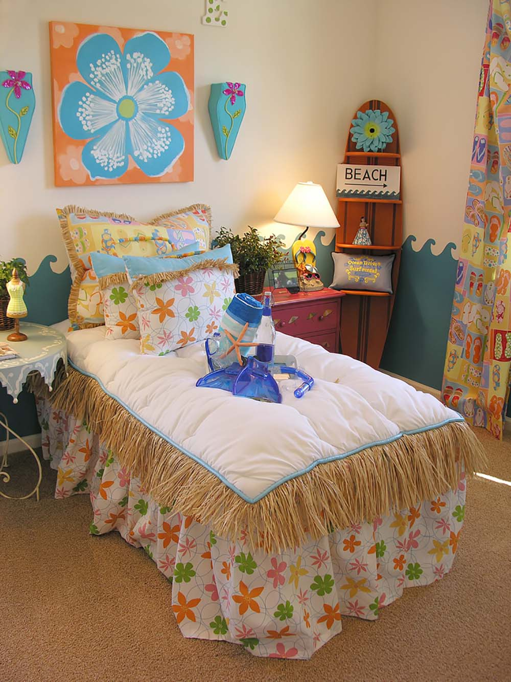 69 best colourful bedrooms page 4 of 4 for Tropical themed house