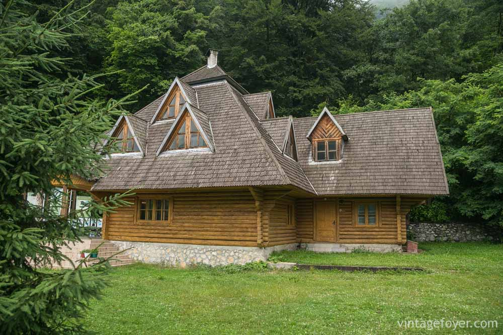 The Dramatic Triangular Peaks On This Log Home Give It A Gothic