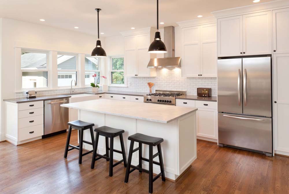 This Design Spaces The Dishwasher, Stove And Fridge Out Between The Counter  Tops, Making Plenty Of Room Between Items To Move And Cook.