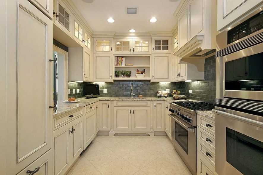 Captivating u shaped kitchens with style varieties page for Galley kitchen without upper cabinets